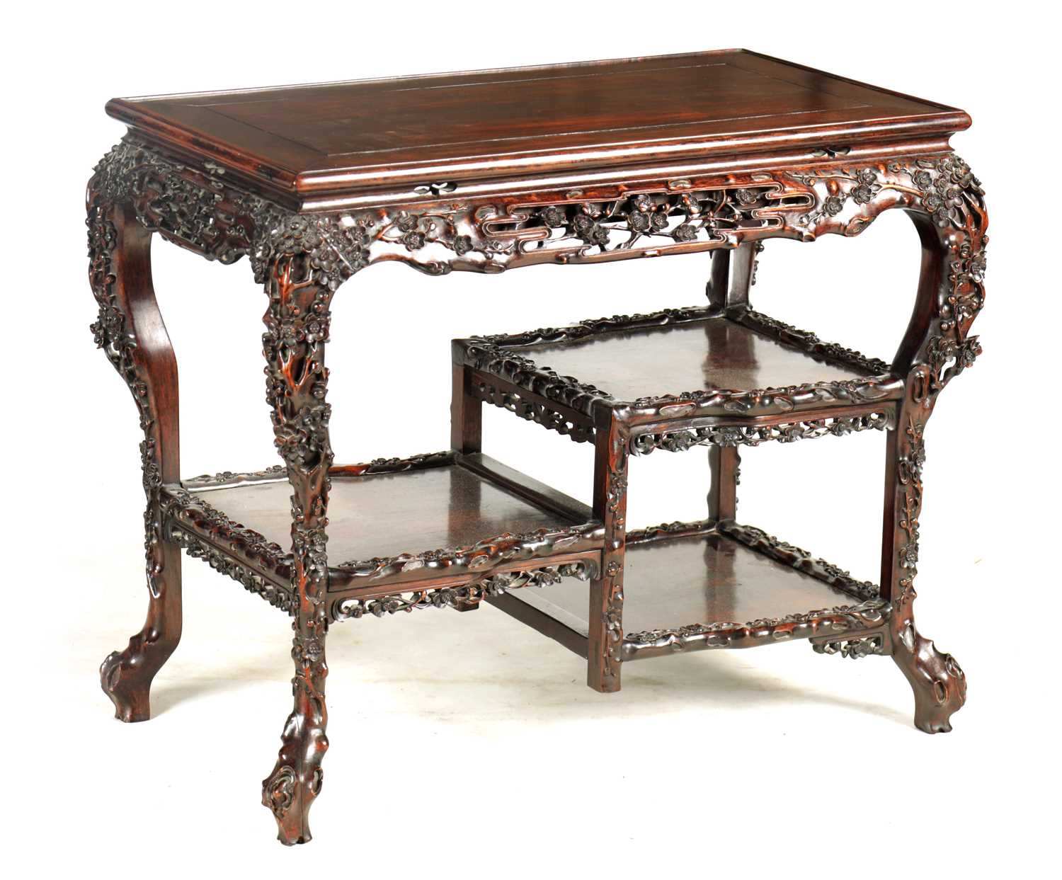 Lot 480 - A FINE 19TH CENTURY CHINESE CARVED HARDWOOD...