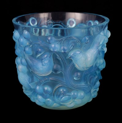 Lot 22 - AN R LALIQUE 'AVALLON' BLUE STAINED VASE